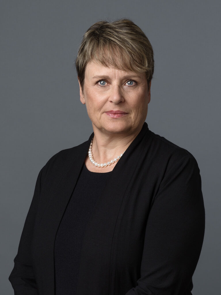 Cornelia Schmid